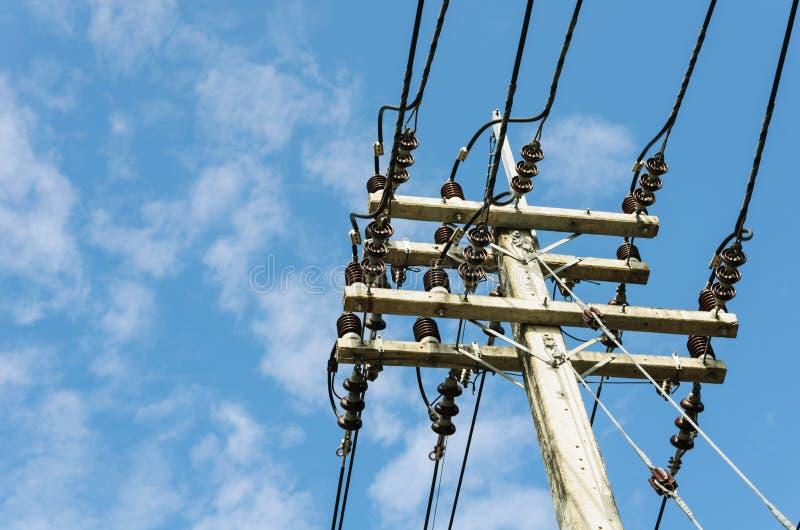 Elektricitetsmaktpol fotografering för bildbyråer