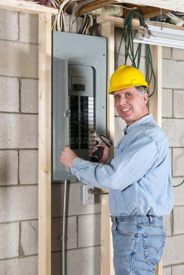 Elektrikerleverantörbyggnadsarbetare arkivbild