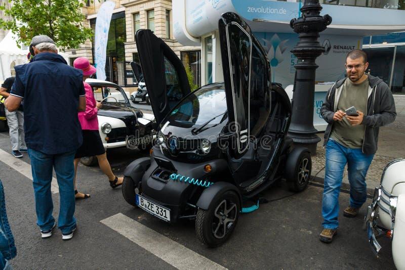 Elektrisch auto twee-passagier elektrisch voertuig Renault Twizy Z e royalty-vrije stock foto's