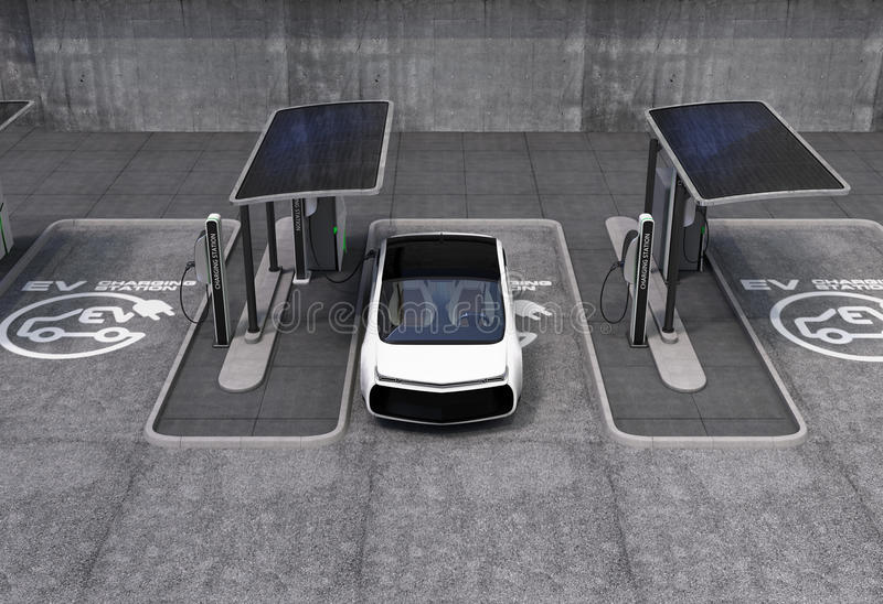 Elektrisch voertuig het laden post in openbare ruimte royalty-vrije stock foto