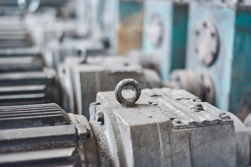 Elektrische actuator voor industriële molen in workshop royalty-vrije stock fotografie