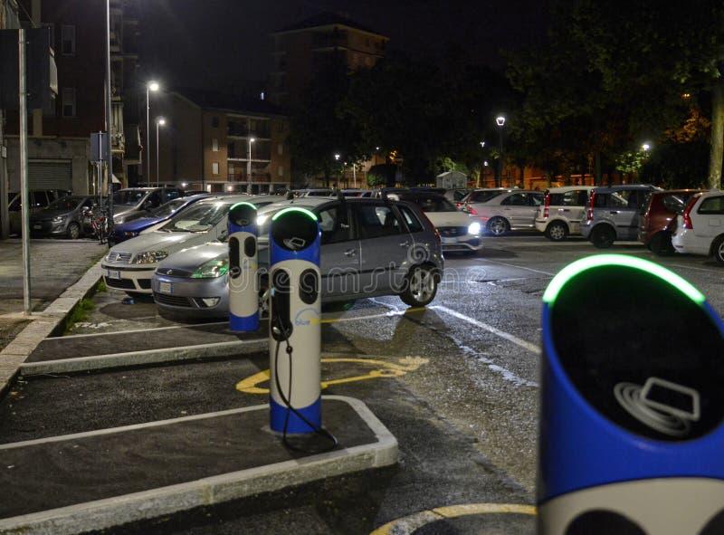 Elektrische autohuur stock foto