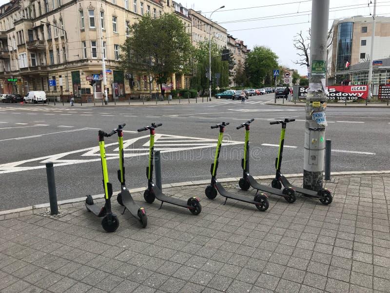 Elektrische autopedden die wachten worden gebruikt royalty-vrije stock afbeeldingen