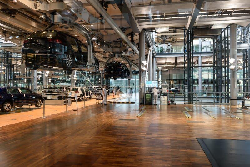 Elektrische de auto's Transparante fabriek van Volkswagen in Dresden Duitsland stock fotografie