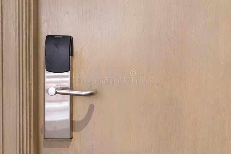 Elektrische deurwifi met exemplaar ruimteachtergrond stock foto's
