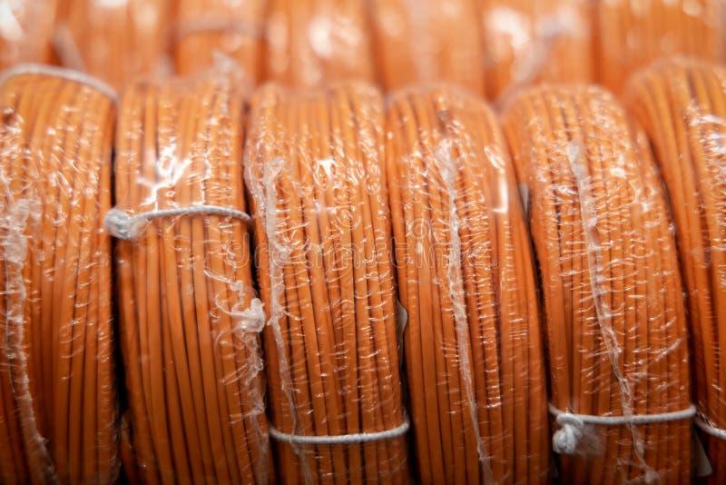 Elektrische Drähte für das Verdrahten des Verkabelns stockbild