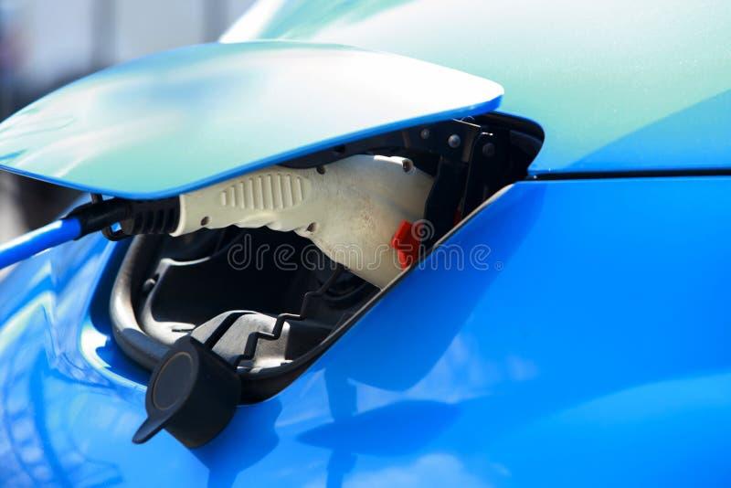 Elektrische Fahrzeugaufladung stockfotografie