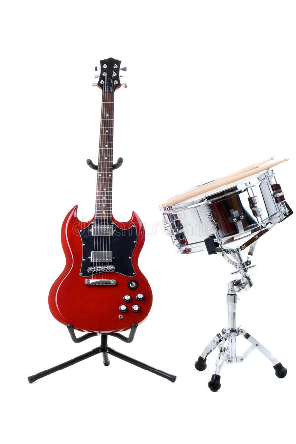 Elektrische Gitarre und Schlingetrommel stockfoto