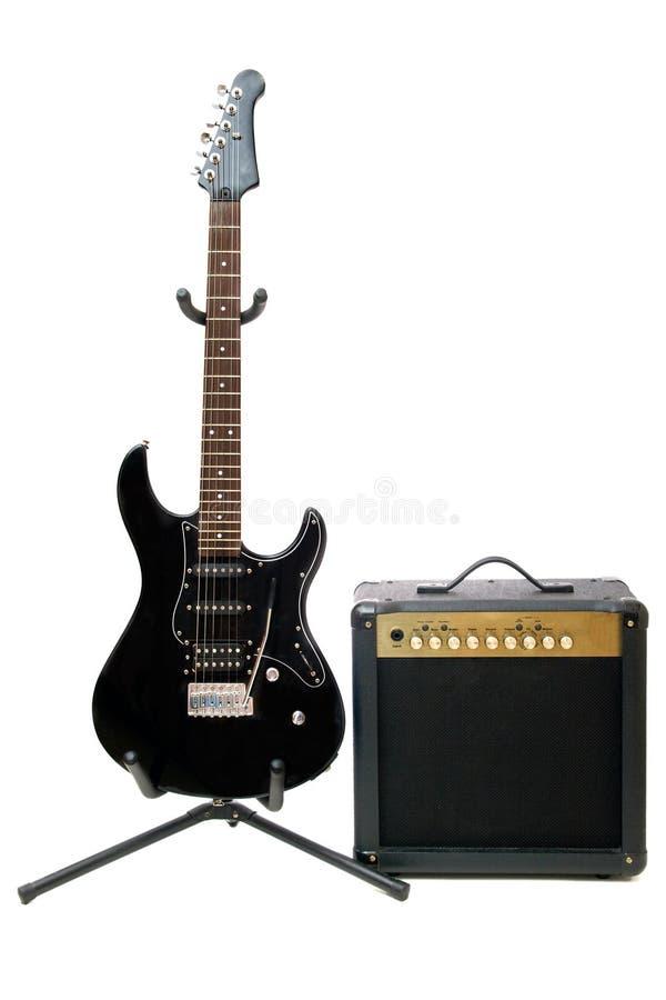 Elektrische Gitarre und Verstärker lizenzfreie stockfotos