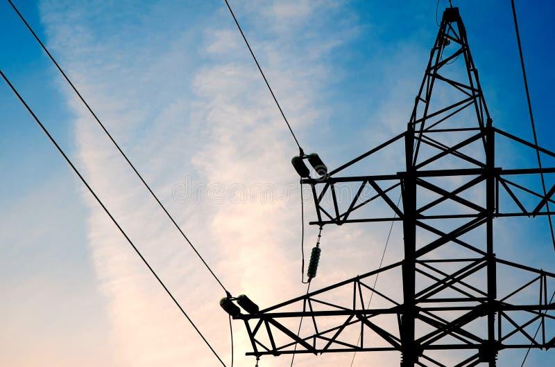Elektrische hoogspanningstoren royalty-vrije stock afbeelding