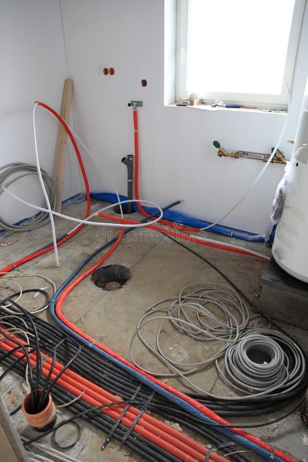 Elektrische Installation innerhalb eines Gebäudes stockbild