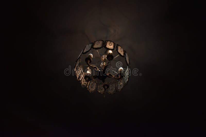 Elektrische lamp in de avond stock foto's