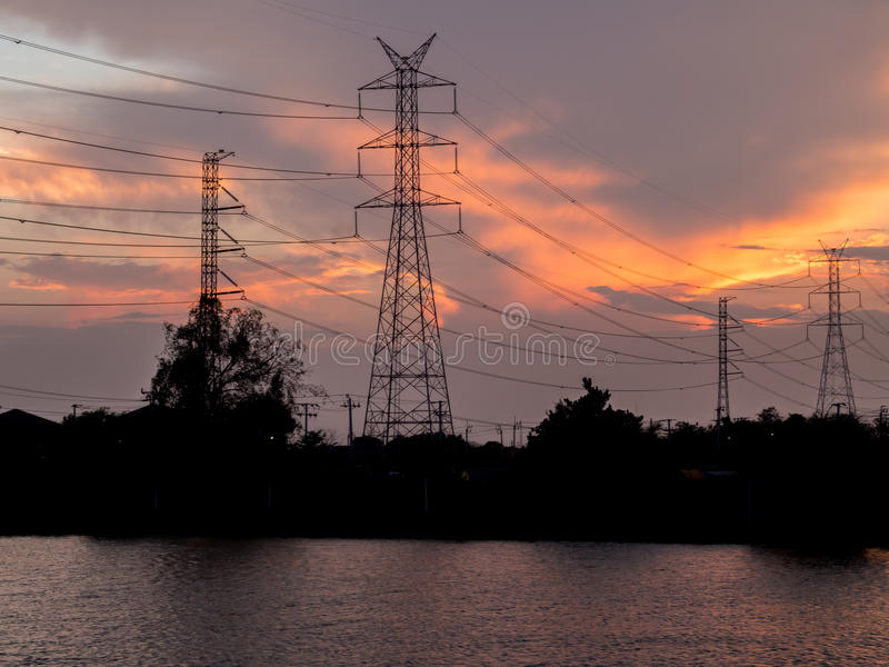 Elektrische Pfostenhochspannungsstruktur lizenzfreie stockbilder