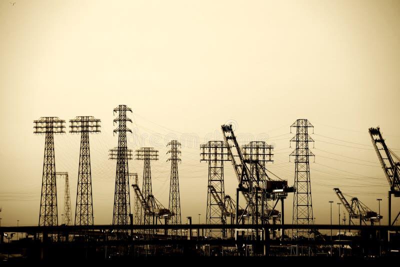 Elektrische Pylonen in de Industriële Haven stock foto's