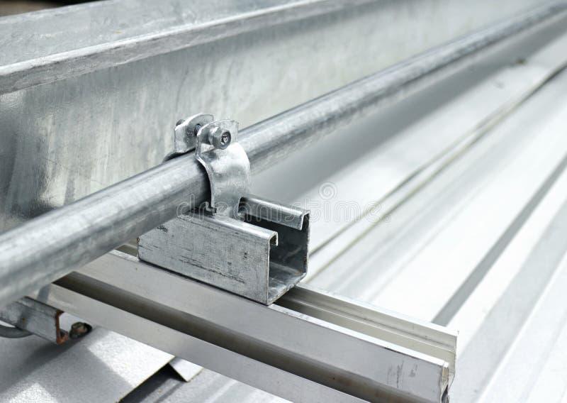 Elektrische Rohr-Installation Auf Dach Stockbild - Bild von ...