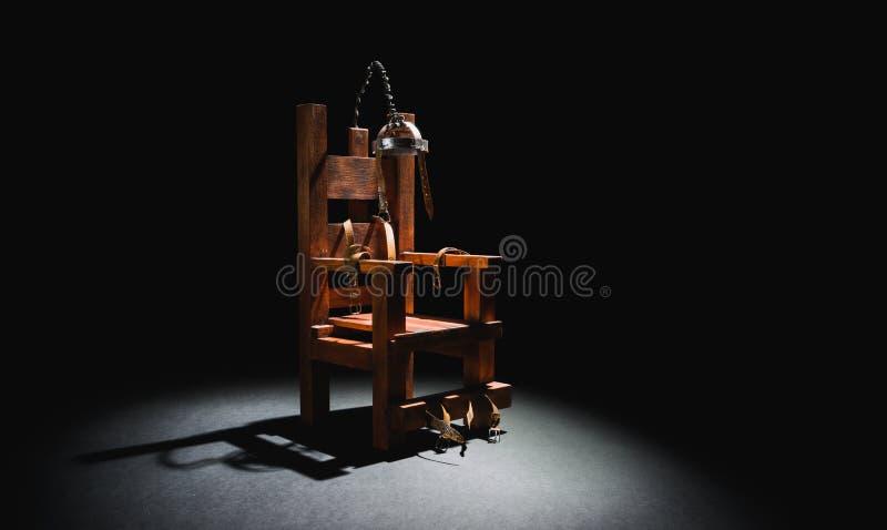 Elektrische stoel op een donkere achtergrond royalty-vrije stock foto's