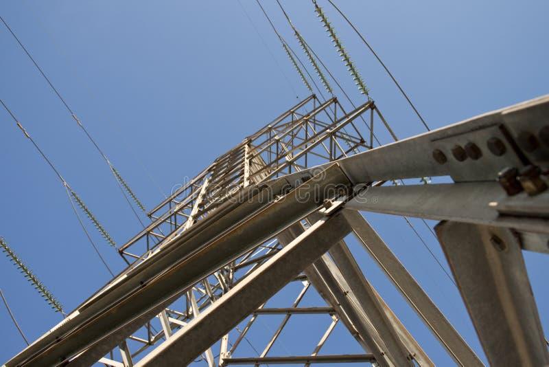 Elektrische toren vanuit invalshoek royalty-vrije stock afbeelding