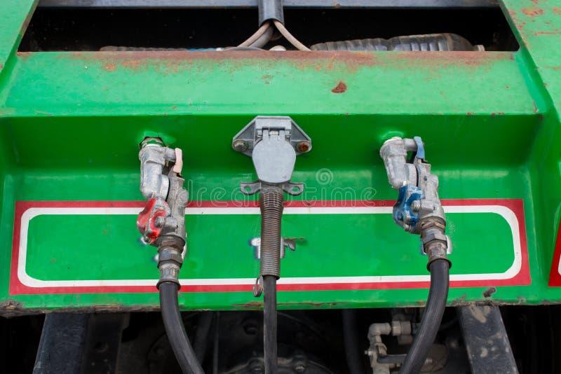 Elektrische verbinding aan de vrachtwagen van de voertuigaanhangwagen royalty-vrije stock fotografie