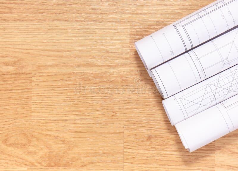 Elektrische Zeichnungen und Diagramme, Kopienraum für Text auf hölzernen Brettern stockfoto
