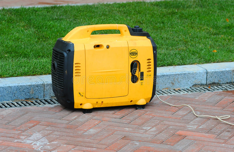 Elektrischer Generator kleiner tragbarer digitaler Generator stockbilder