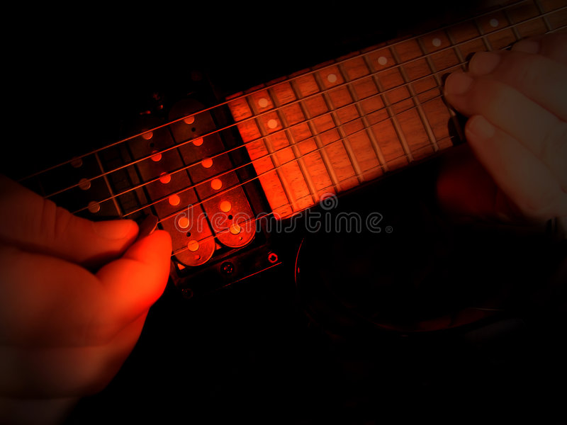 Elektrischer Gitarrist lizenzfreie stockfotos