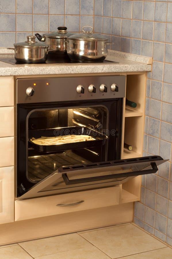 Elektrischer Ofen lizenzfreie stockfotos