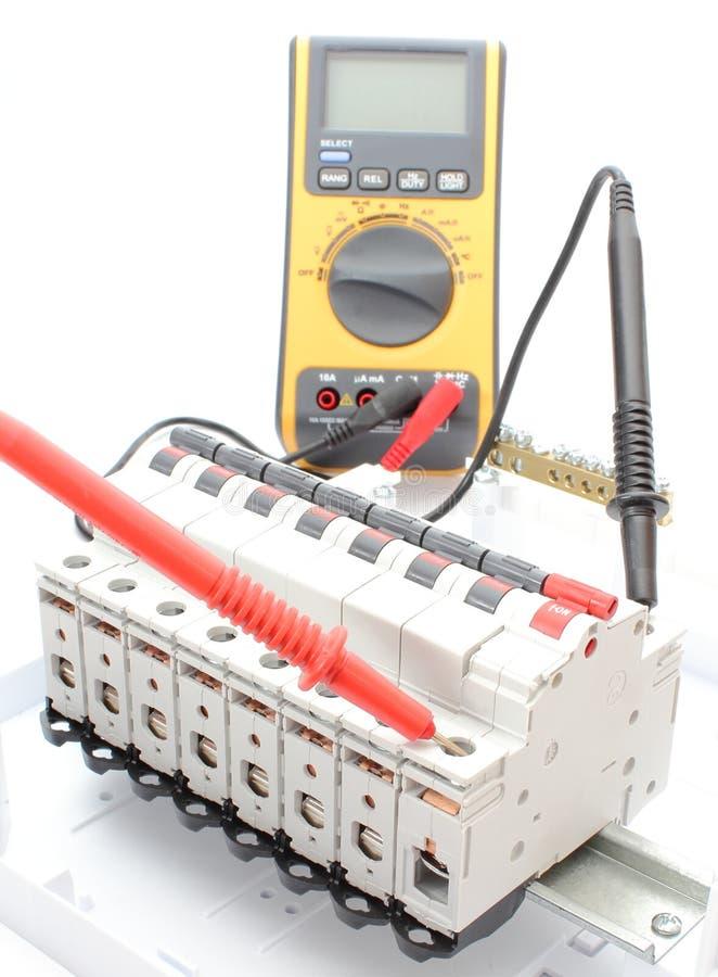 Wunderbar Grundlegender Elektrischer Schalter Bilder - Elektrische ...