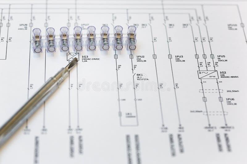 Elektrisches Diagramm, überprüfen. Stockfoto - Bild von lösen ...