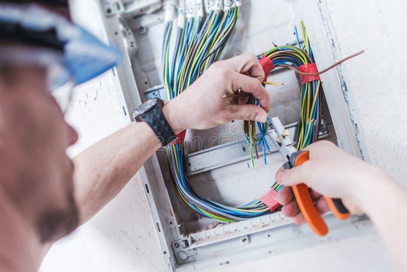 Elektrisches System-Installation lizenzfreie stockfotografie