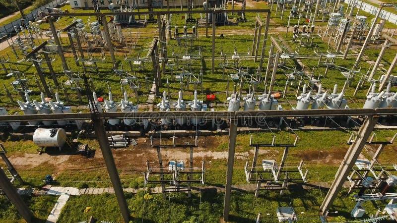 Elektrisk avdelningskontor, kraftverk flyg- sikt fotografering för bildbyråer