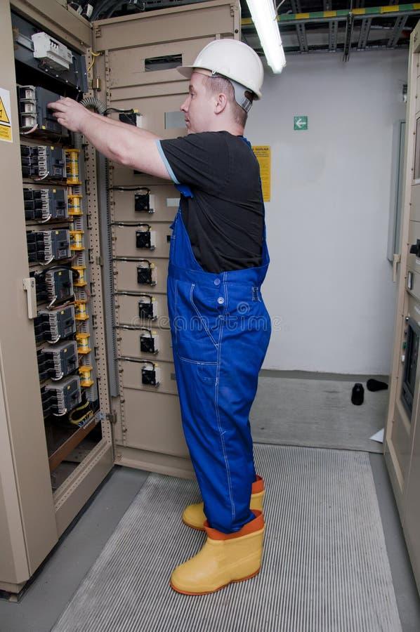 elektrisk elektriker för fördelning arkivbilder