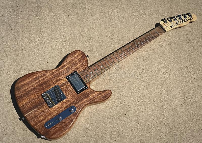 Elektrisk gitarr för CRAlsip Tejas T koa fotografering för bildbyråer