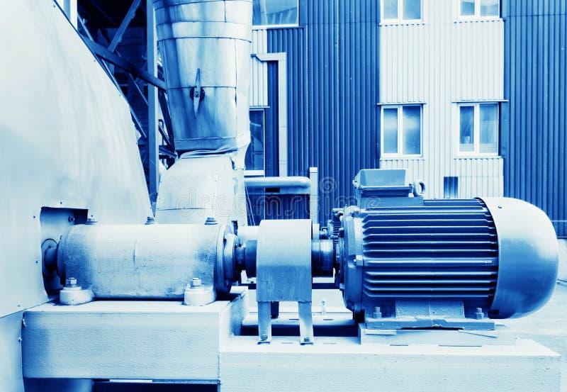 Elektrisk motor i fabrik royaltyfria foton
