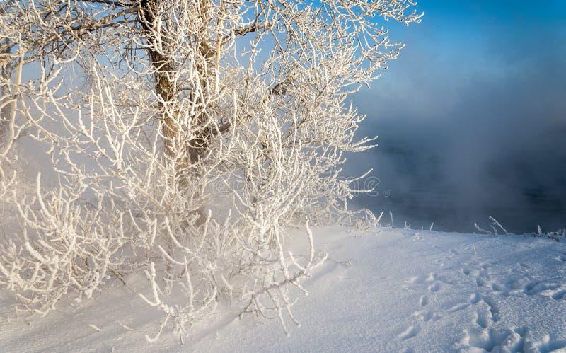 Elektrisk station för värme i vinter arkivfoto