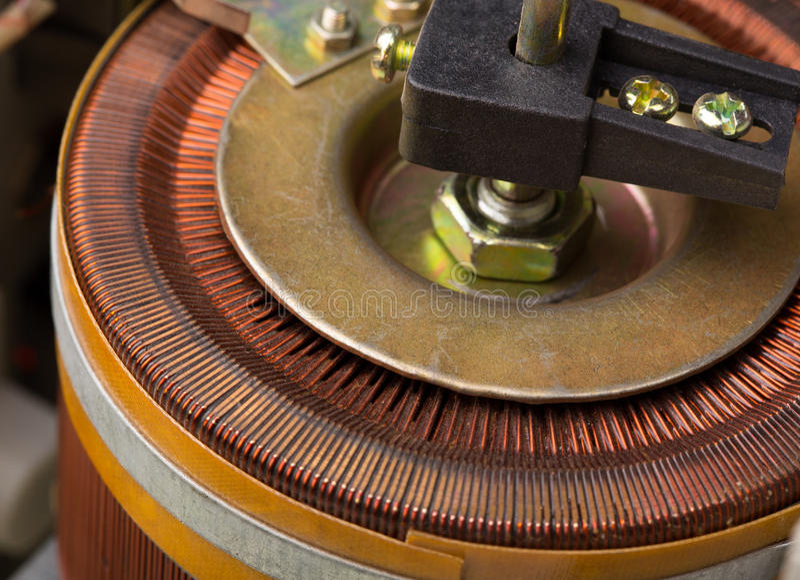 Elektrisk transformator arkivbild