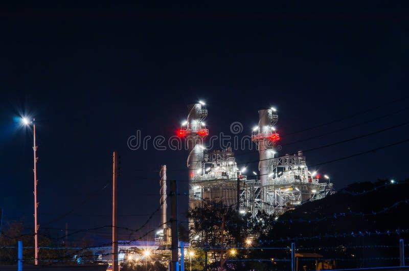 Elektrisk växt på natten royaltyfri fotografi