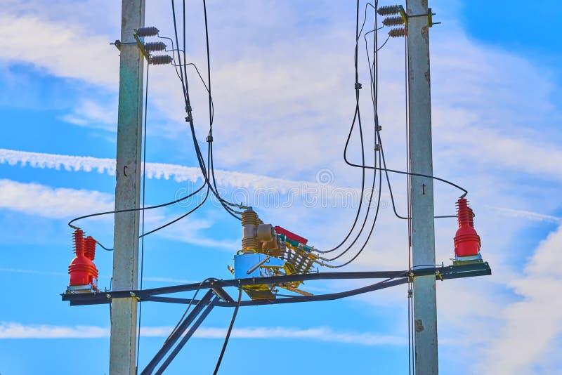 Elektriska höga spänningssäkringar arkivbilder