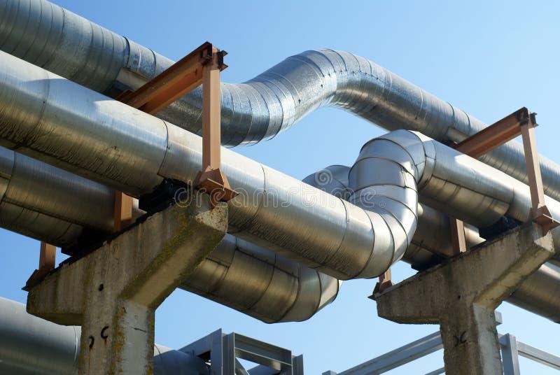 elektriska industriella linjer pipelinesström royaltyfri bild
