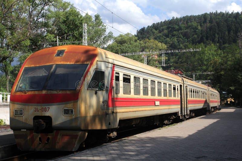Elektriskt drev av den georgiska järnvägen royaltyfria foton