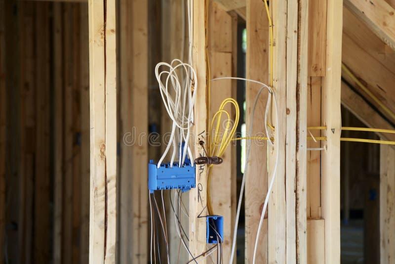 elektriskt ledningsnät arkivfoton