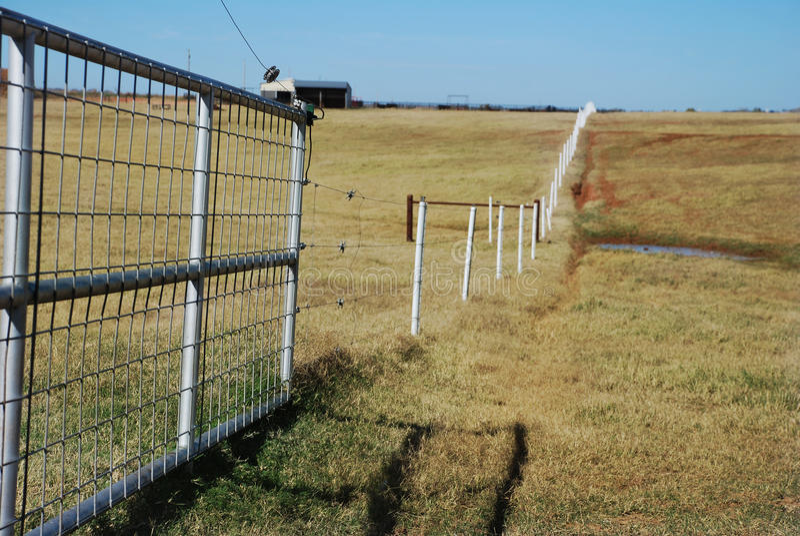 elektriskt staket royaltyfria foton