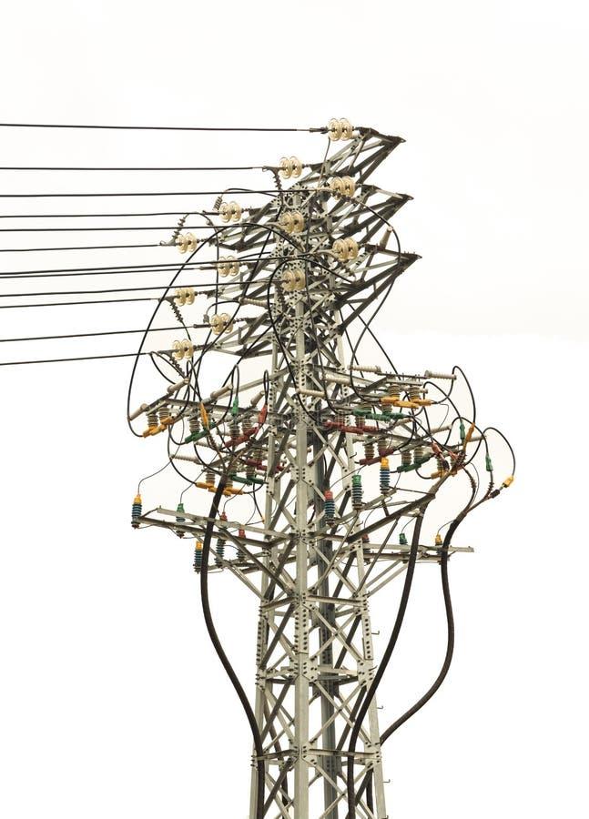 Elektriskt torn för hög spänning med linjer, elektrisk hög spänningspol, elkraftöverföring arkivbilder