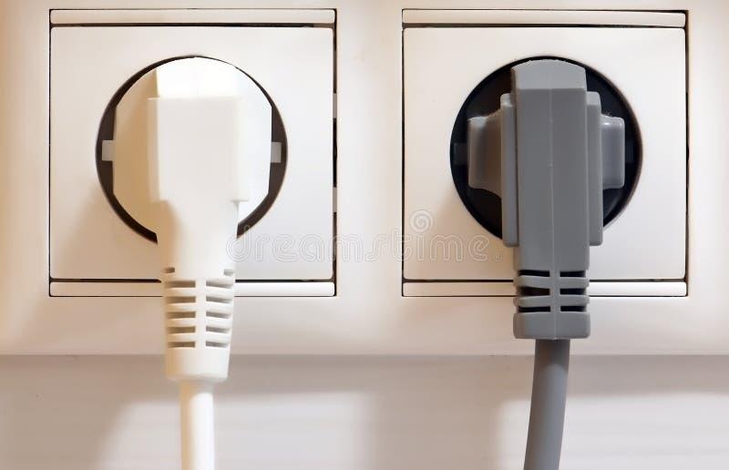 Elektriskt uttag och pluggar fotografering för bildbyråer