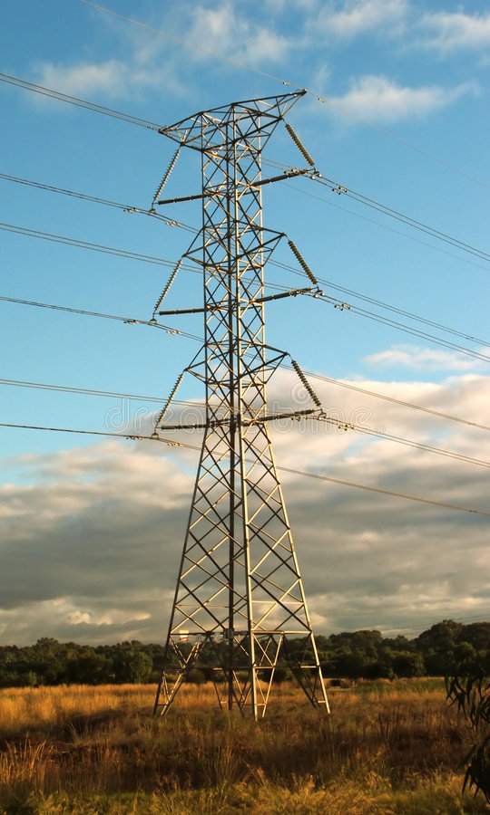 Elektrizitäts-Kontrollturm stockfoto