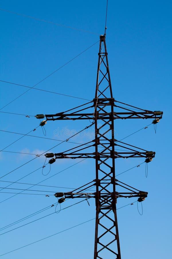 Elektrizitätsarbeit über Sie lizenzfreie stockfotos