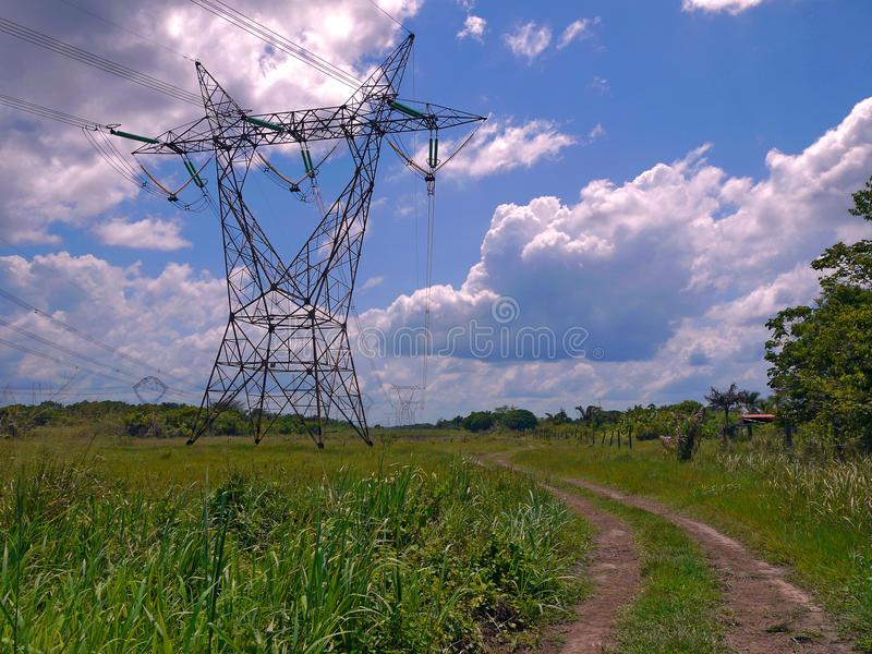 Elektro transmissietoren royalty-vrije stock afbeelding