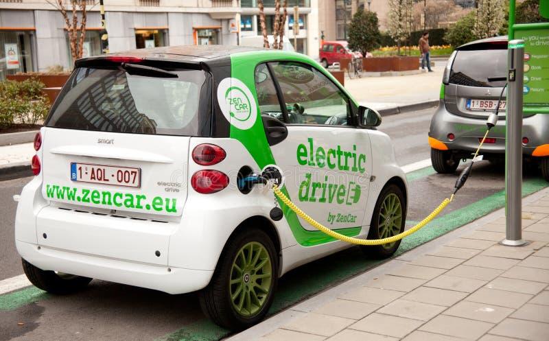 Elektroautoaufladung stockfoto
