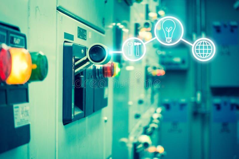 Elektromechanismeruimte, Industrieel elektroschakelaarpaneel  royalty-vrije stock foto