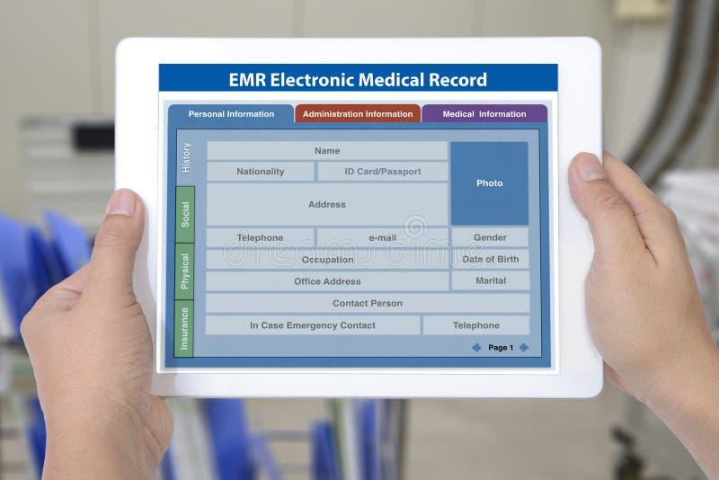 Elektroniczny książeczki zdrowia zastosowanie na cyfrowym pastylka ekranie ja fotografia royalty free