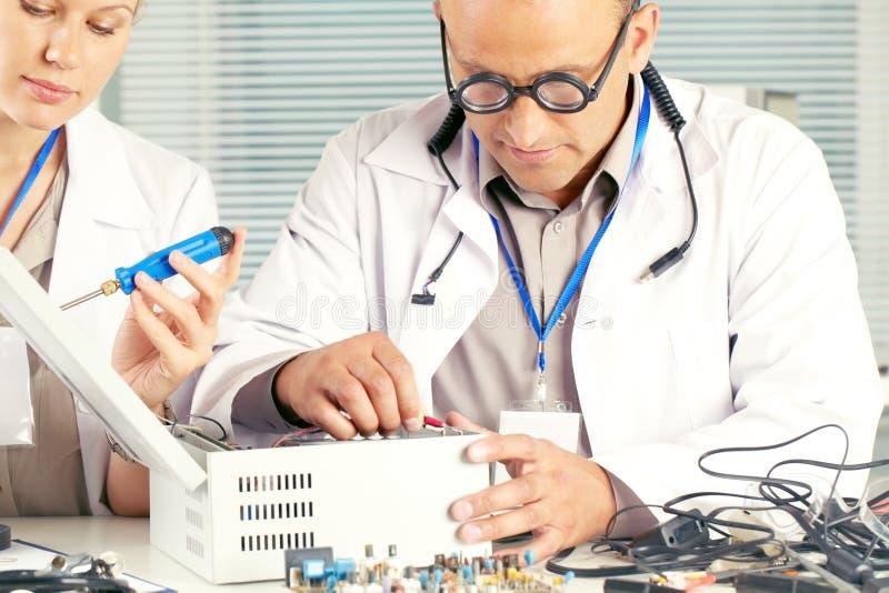 Elektronikaingenieur stock fotografie